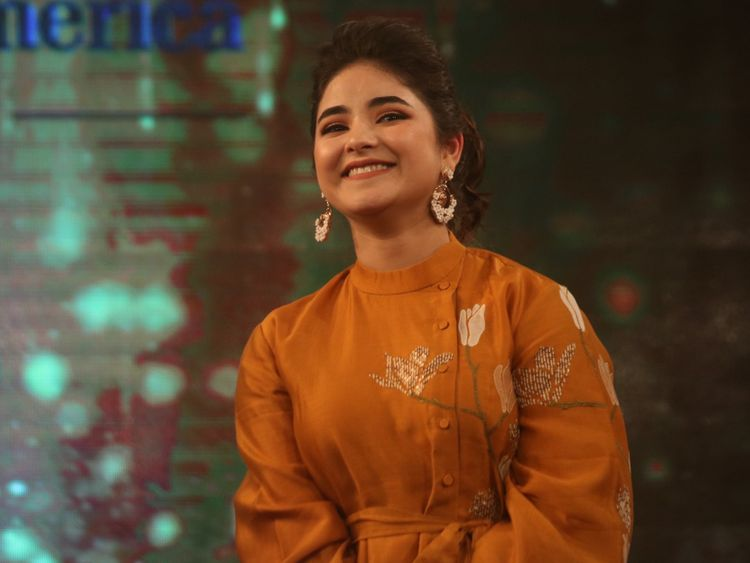 dangal-fame- actress-zaira-wasim-quits-acting-due-to-islam